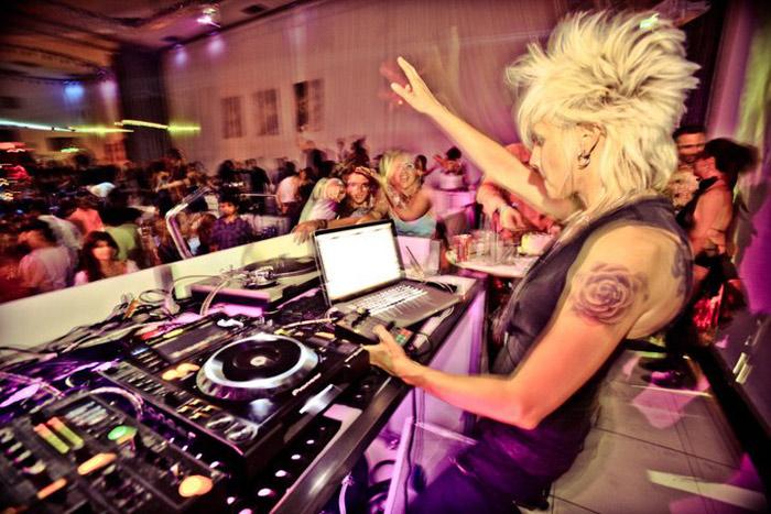 DJ Laura Low Interview